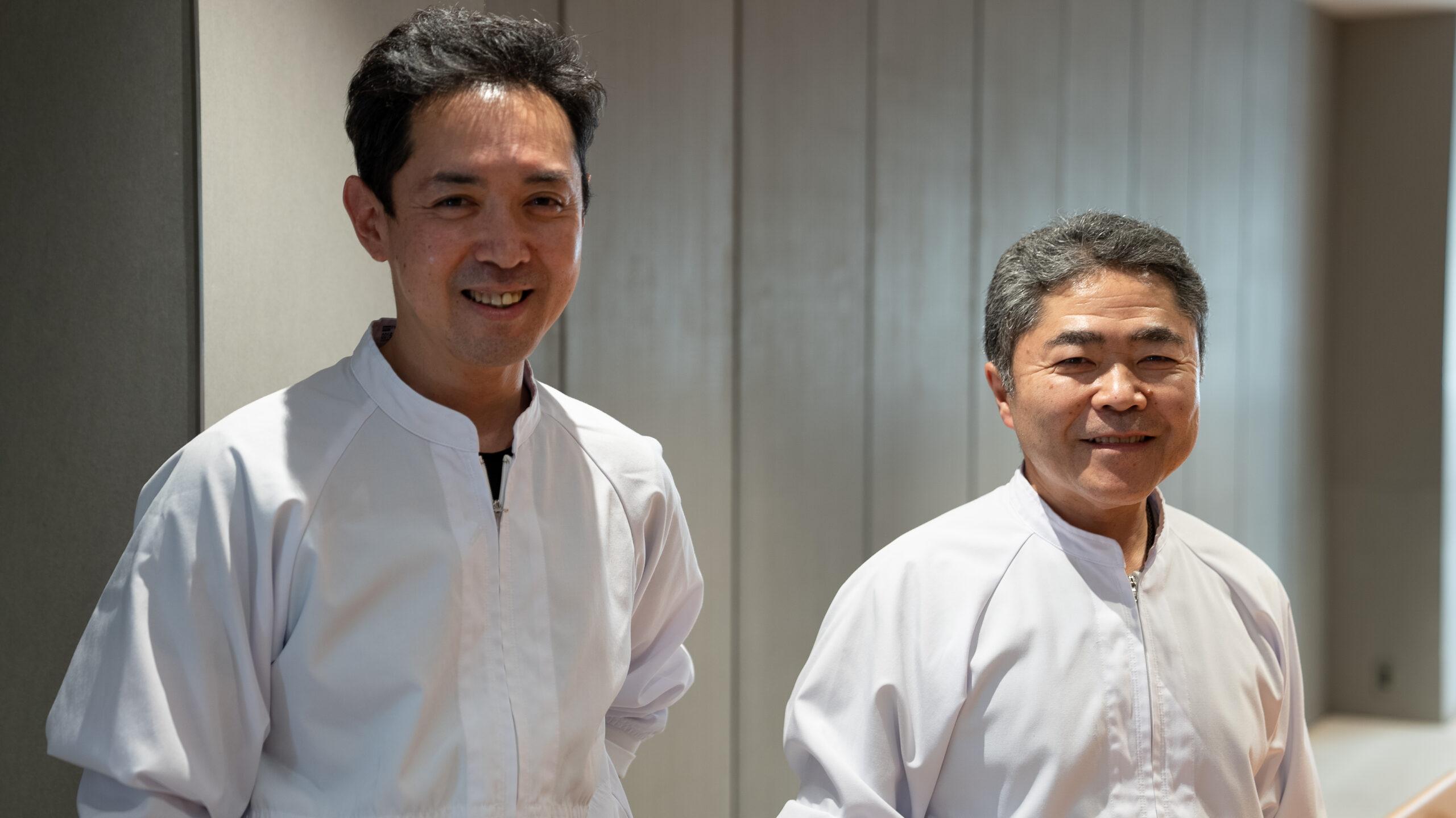 左)副職人長 岩本成将さん/右)職人長 宮瀬茉祐子さん